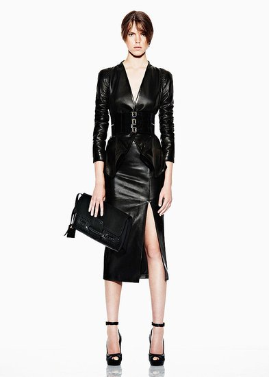 1f18be6e3c8a5723_alexander-mcqueen-resort-2012-runway-014_145952616017_preview