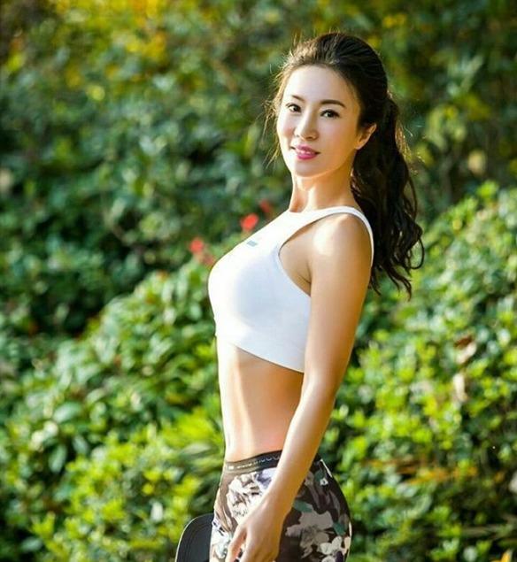 Liu Yelin, la madre que parece la novia de su hijo