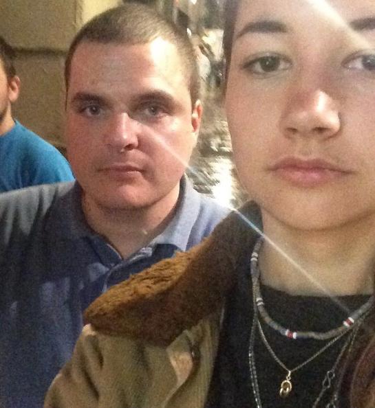 Se hace selfies con sus piropeadores para denunciar el acoso callejero