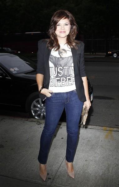 Ahora Tiffani-Amber Thiessen lleva una camiseta de Justin Bieber