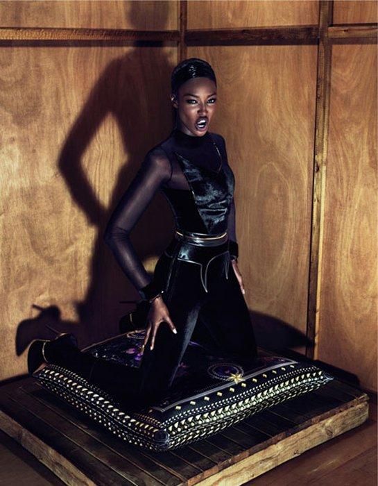 Naomi Campbell imagen para la próxima temporada de Givenchy