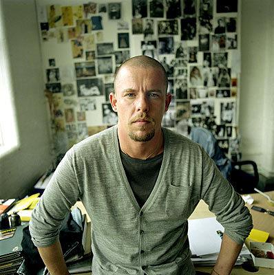 Alexander McQueen dejó 26 millones de dólares a la beneficencia