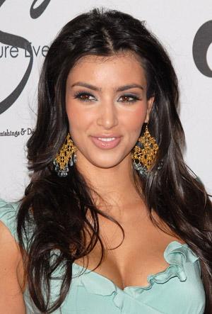 Kim Kardashian ¿de verdad necesitabas sacar un perfume por tu boda?