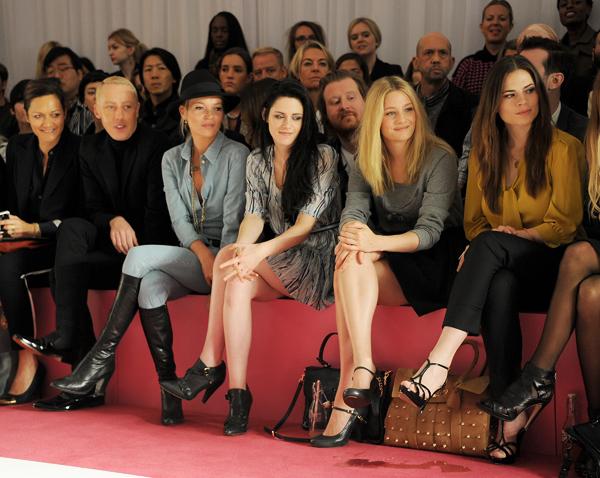 Kristen Stewart comparte primera fila con Kate Moss en el desfile de Mulberry