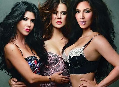Las hermanas Kardashian en ropa interior y con sugerentes colores de labios