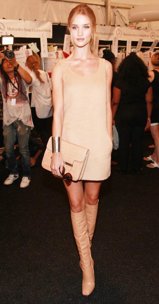 Rosie Huntington-Whiteley de nude (otra vez) en el desfile de Michael Kors 7144cf2ead
