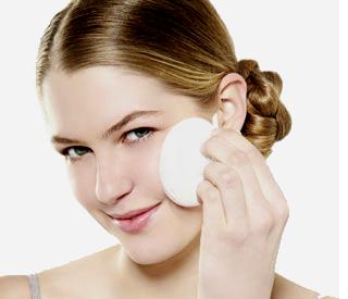 Herramientas para exfoliar el rostro: esponjas vs. cepillos