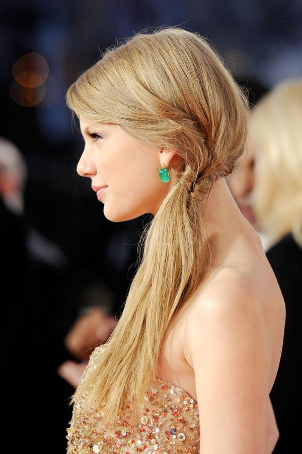 La coleta de lado de Taylor Swift en los AMA's 2011