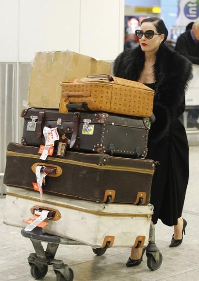 Dita Von Teese, vintage hasta para viajar