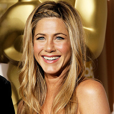 Jennifer Aniston no se pone al sol, prefiere el moreno de spray