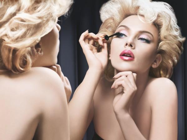 Un estudio revela que las mujeres que usan maquillaje son más competentes