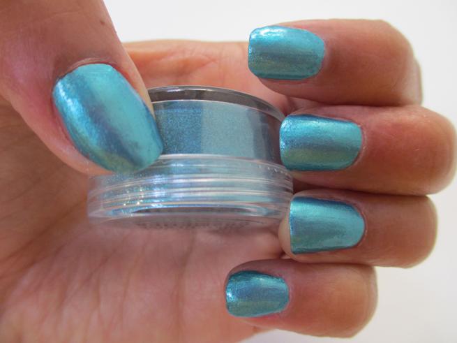 Convierte tus sombras en lacas de uñas