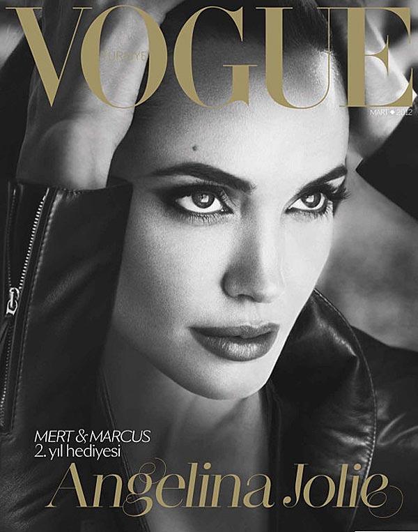 Angelina Jolie está impresionante en la portada de Vogue Turquía