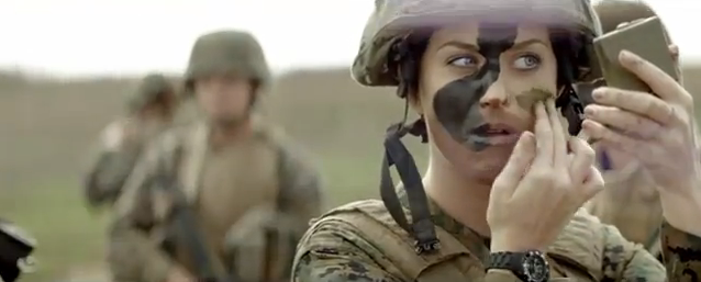 Look militar para Katy Perry en su último clip, Part of Me