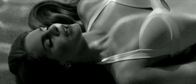Lana del Rey presenta nuevo clip, Blue Jeans