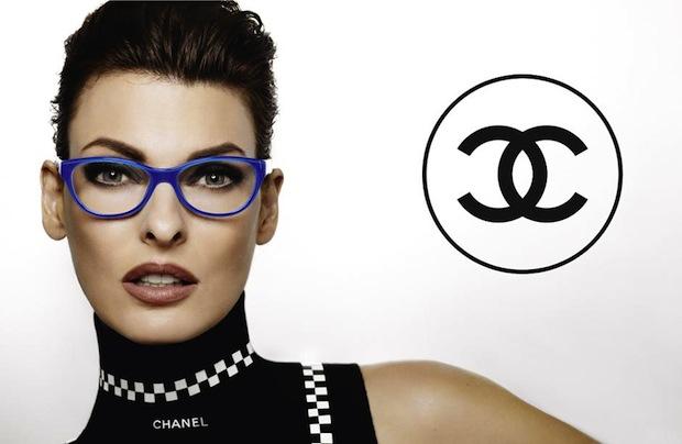 Linda Evangelista es la nueva imagen para las gafas de Chanel