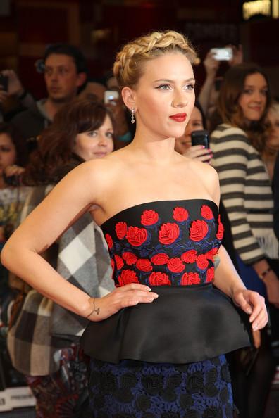 Scarlett Johansson luce nuevo tattoo