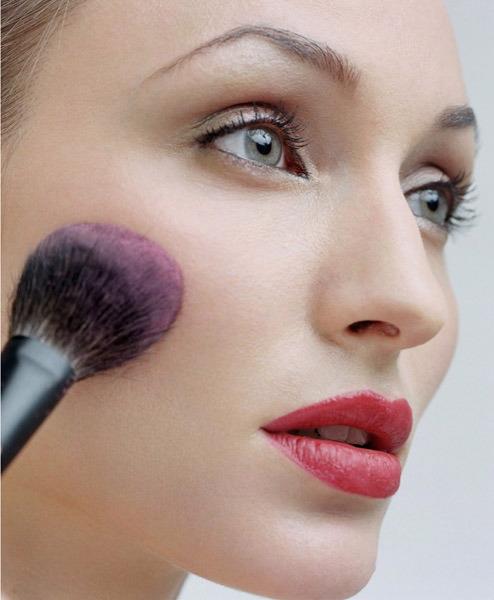 ¿Cuál es producto imprescindible para un maquillador?