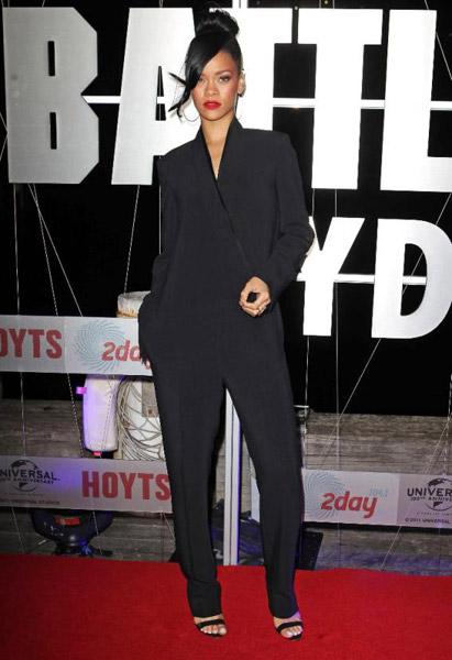 Rihanna cada vez más discreta con sus looks