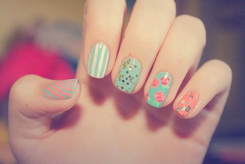 Ahí tienes unas manicuras en color pastel para celebrar la entrada del verano