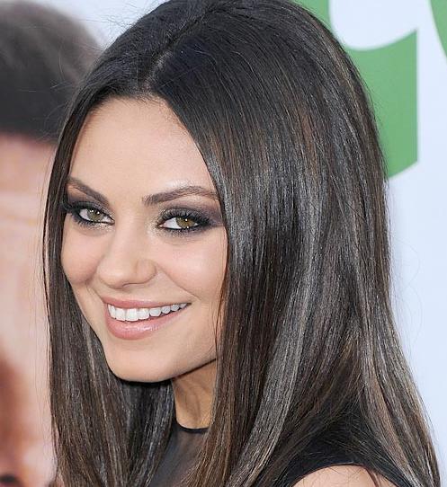 La reina del look smokey: Mila Kunis