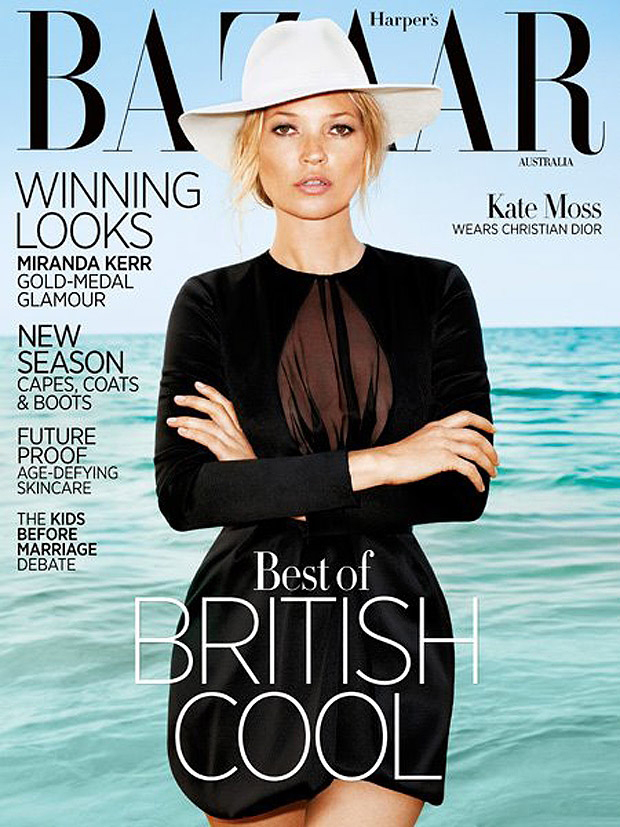 Kate Moss de negro riguroso y en la playa en la portada de Harper's Bazaar Australia