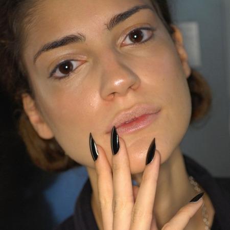 ¡Vota! ¿Cómo prefieres llevar las uñas?
