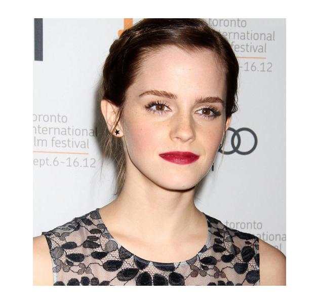 Emma Watson con labios rojo pasión en el Festival de Toronto