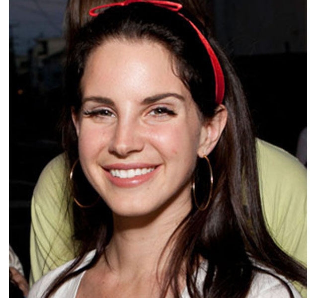 Lana del Rey muy natural, (casi) sin maquillaje