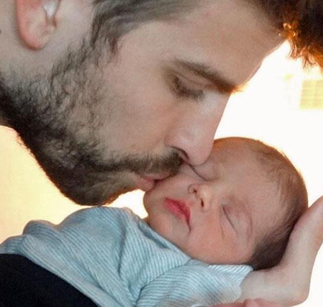Shakira y Gerard Piqué nos enseñan la cara de su hijo, Milan