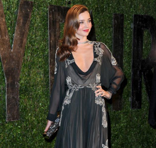 Anne Hathaway Gana: Britney Spears Nos Da La Sorpresa Y Se Pasa Al Castaño ¡y