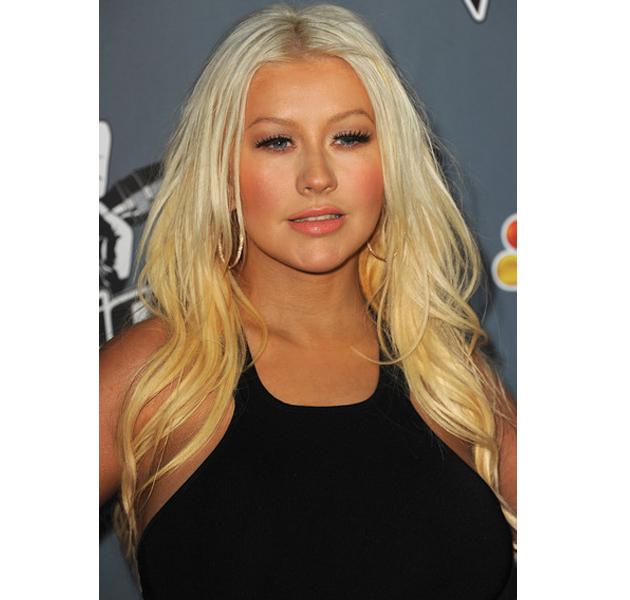 Christina Aguilera nos sorprende reapareciendo mucho más delgada