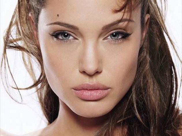 ¿Cómo tener unos labios más gruesos con maquillaje?