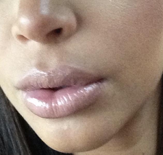A Kim Kardashian el embarazo le hincha los labios