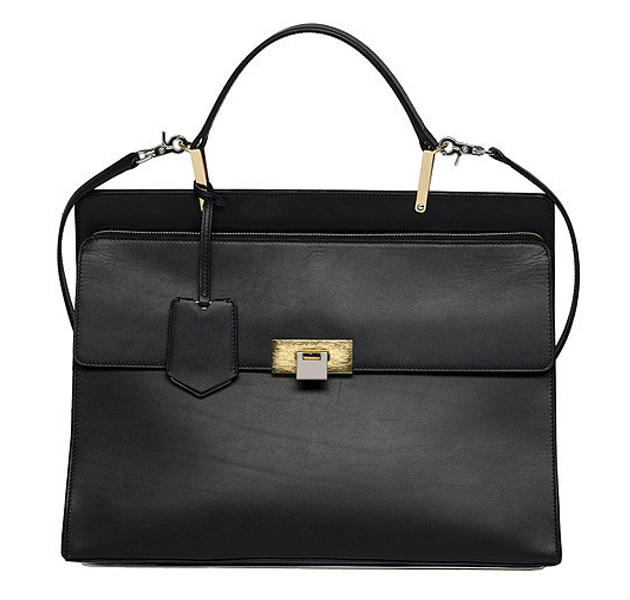 Así es el primer bolso de Alexander Wang para Balenciaga