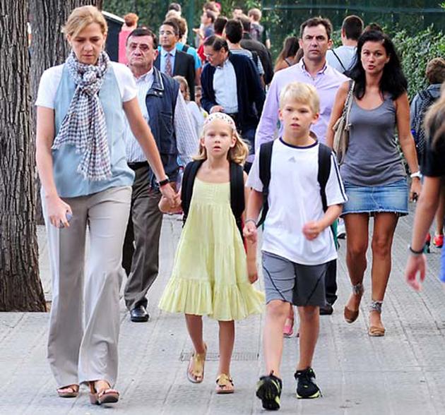 La infanta Cristina y sus hijos se van a vivir a Suiza