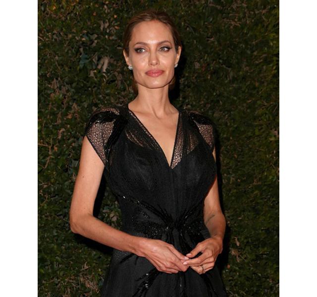 Angelina Jolie recoge su Oscar honorífico