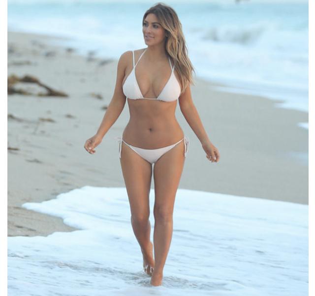 Kim Kardashian en bikini tras dar a luz