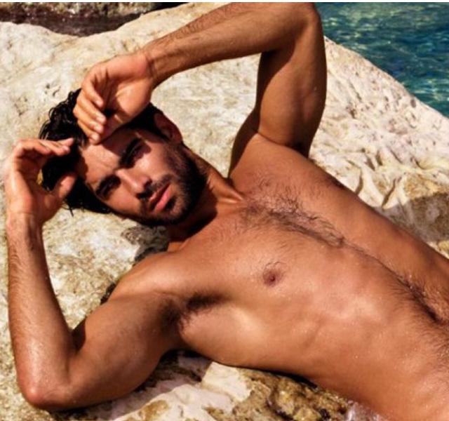 Fotos de Ruben Cortada desnudo, protagonista de El Príncipe