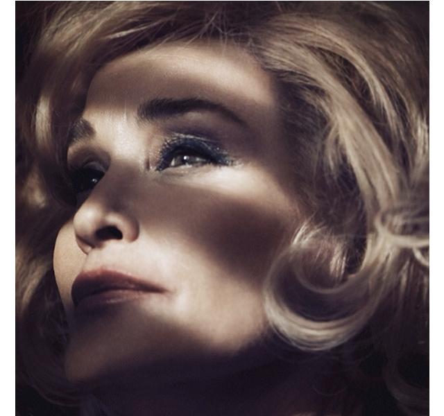 Jessica Lange a los 64 años imagen de Marc Jacobs Beauty