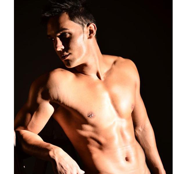 Alberto Santana desnudo, de MYHYV a Supervivientes