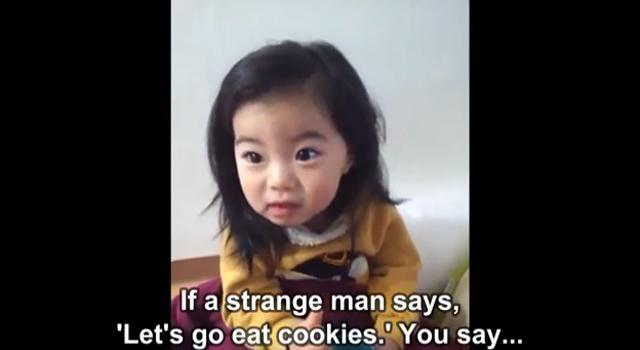 Un vídeo enseña a los niños a no coger dulces de extraños