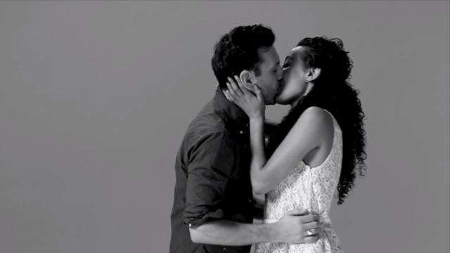 El vídeo de primeros besos que arrasa en la red