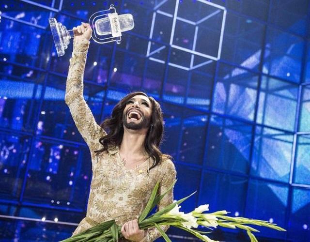 """La """"mujer barbuda"""" triunfa en Eurovisión"""