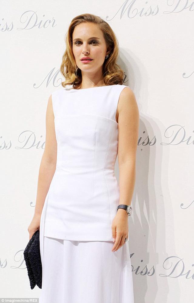 El look de Natalie Portman para la fiesta de Miss Dior