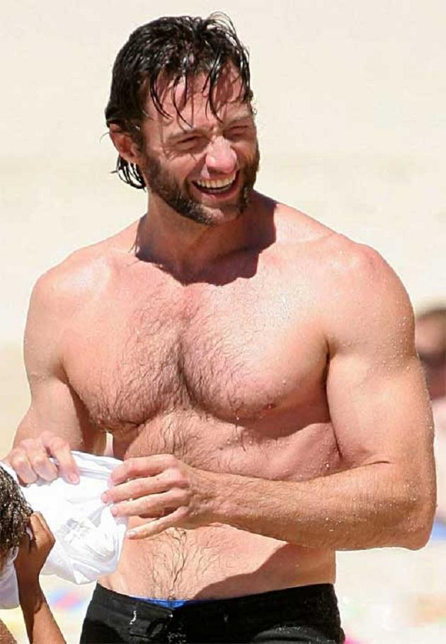Hugh Jackman desnudo y duchándose