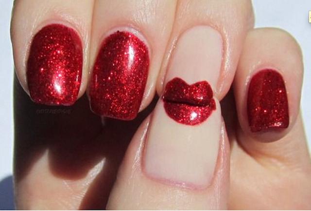 "Idea manicura original: uñas que dicen ""¡bésame!"""