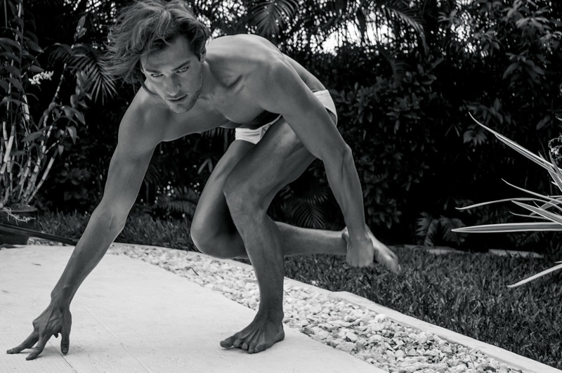 El guapísimo modelo Dan Murphy desnudo