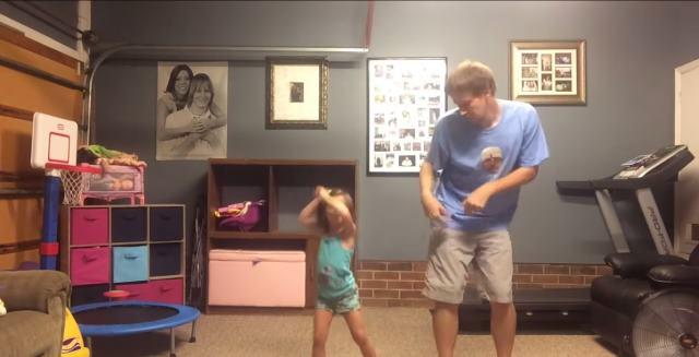 El vídeo mas cute del momento: Padre e hija bailan juntos a Taylor Swift