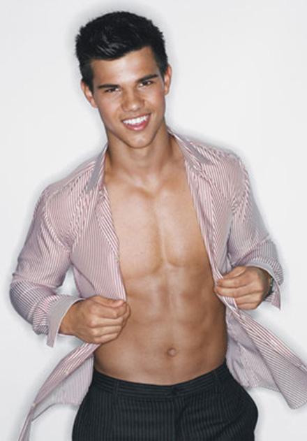 Taylor Lautner desnudo, la hora del lobo-cuco